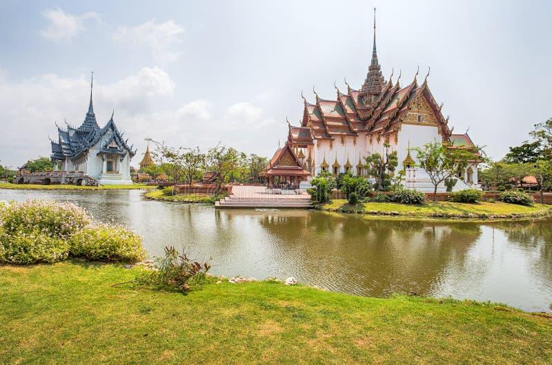 Dusit玛哈Prasat宫殿盛大宫殿和阿尤特拉利夫雷斯Sanphet Prasat宫殿在古城公园, Muang Boran,萨穆特Prakan 库存图片