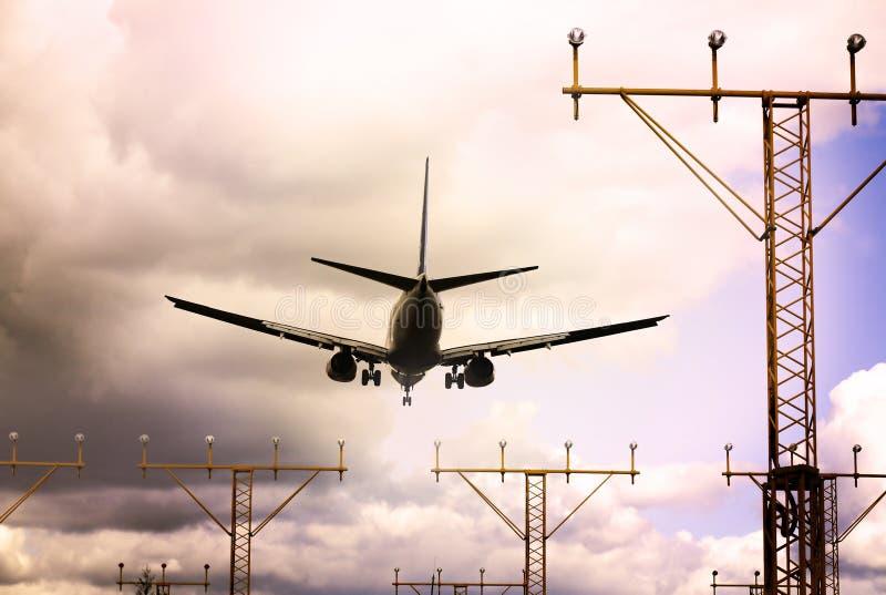 dusk αεριωθούμενο αεροπλάν στοκ φωτογραφία