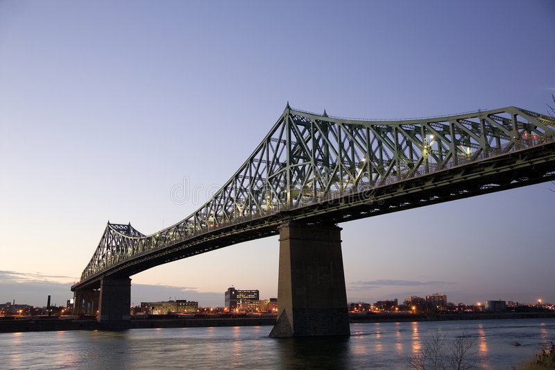dusk γεφυρών στοκ φωτογραφία