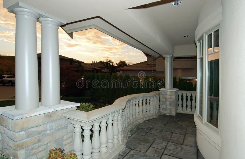 dusk πολυτέλεια σπιτιών στοκ εικόνα