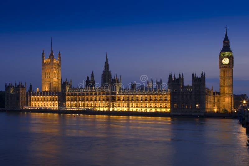 dusk το Κοινοβούλιο σπιτιών στοκ φωτογραφίες με δικαίωμα ελεύθερης χρήσης