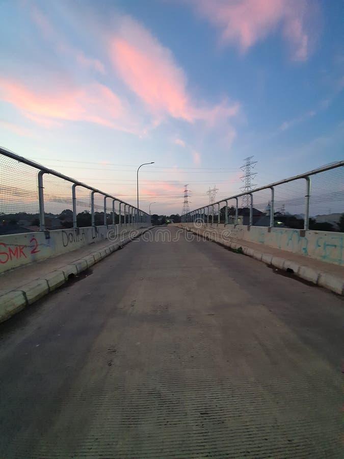 Dusk auf der Autobahn Richtung Depok West Java Indonesien lizenzfreie stockfotografie