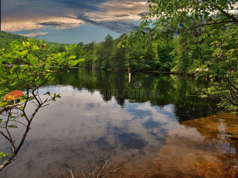 Dusk over de Dan rivier in North Carolina stock fotografie