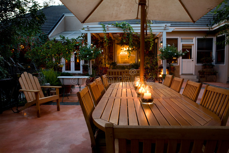 dusk patio στοκ εικόνες