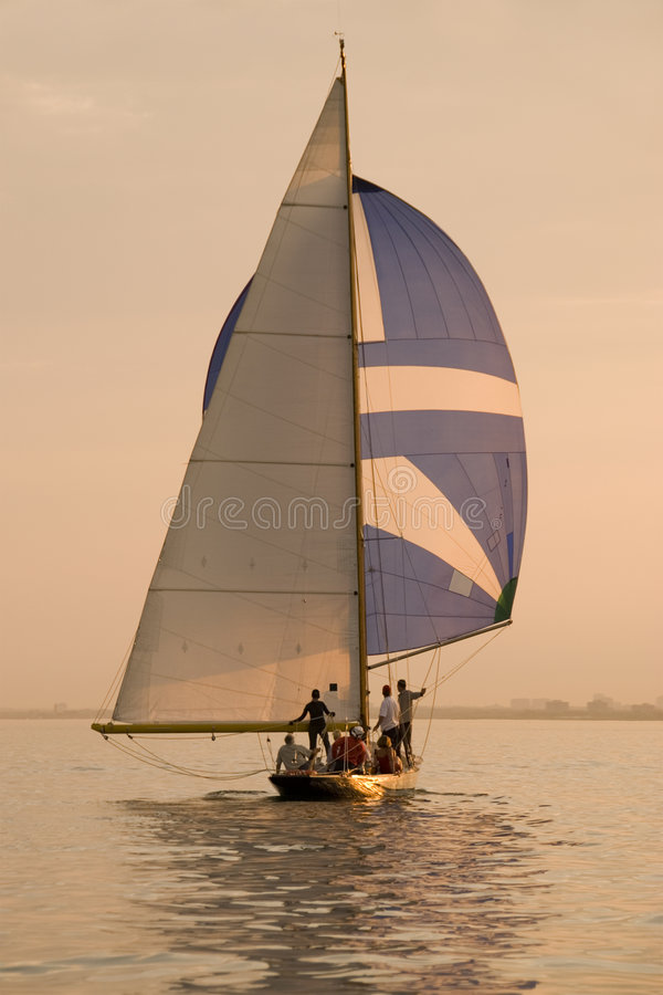 Free Dusk Sailing Royalty Free Stock Image - 3989086
