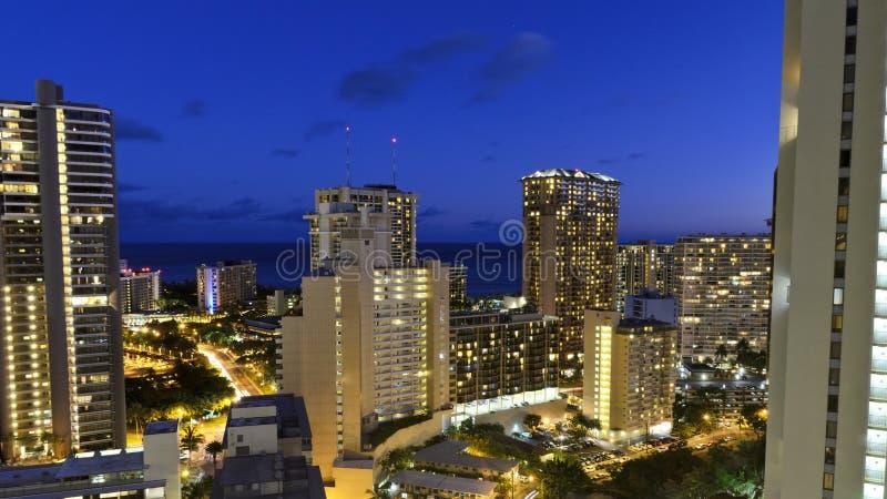 Dusk Waikiki στοκ φωτογραφία