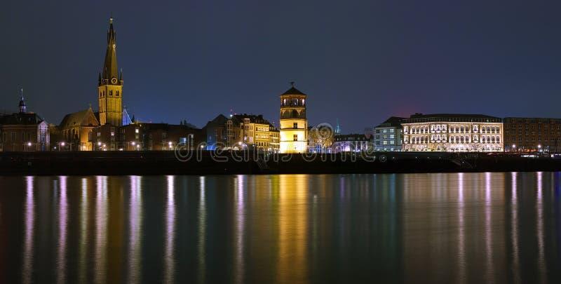 dusseldorf noc stary grodzki widok zdjęcia royalty free