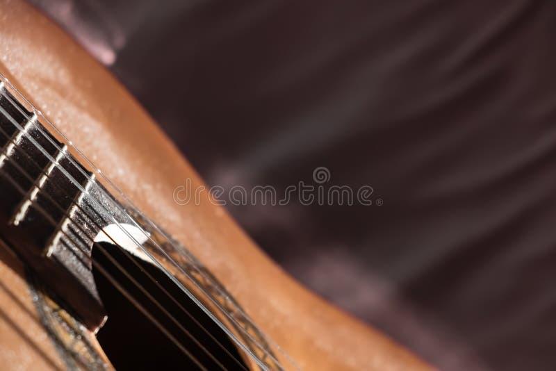 Dusty Classical Guitar närbild med kopieringsutrymme fotografering för bildbyråer