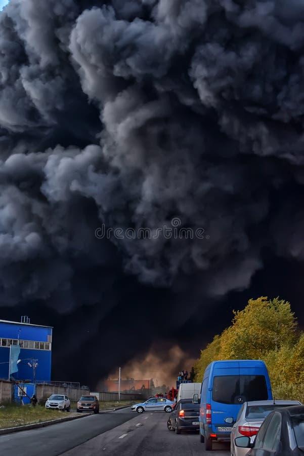 Dusząca sadza w ogieniach i dymny obrazy royalty free
