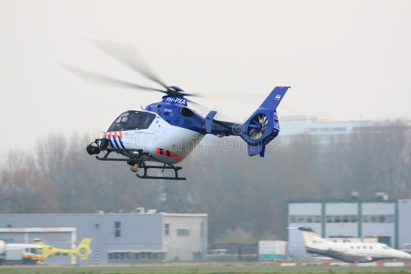 Download Dutch Police Helicopter Landing Editorial Image - Image: 17742730
