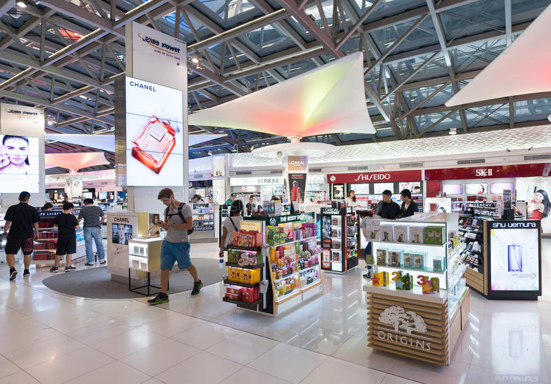 Duty free cosmetics luxury boutiques in Suvarnabhumi airport, Ba royalty free stock photography