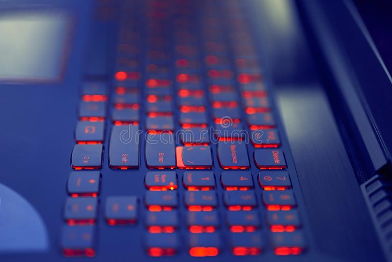 Duur Laptop toetsenbord Backlight in Rood stock afbeelding