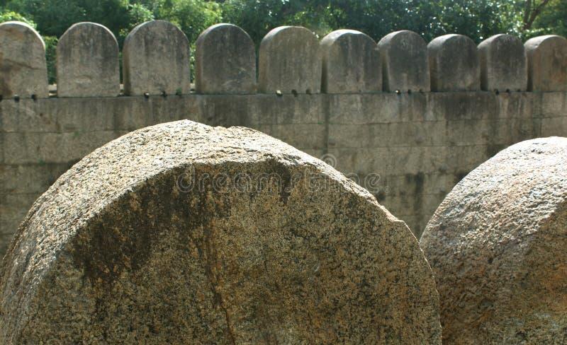 Duzi łuki vellore fortu ściana z drzewo krajobrazem zdjęcie royalty free