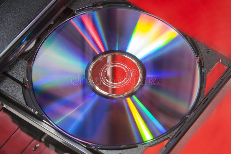 DVD-diskett i spelare arkivfoto