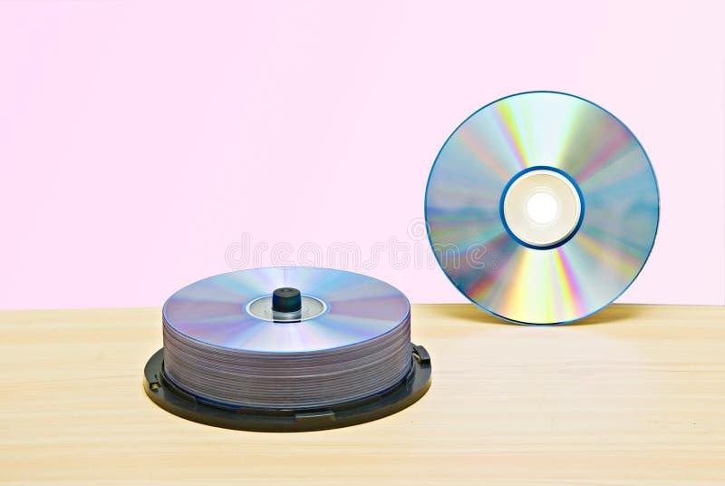 DVD e pacchetto di DVDs immagini stock libere da diritti