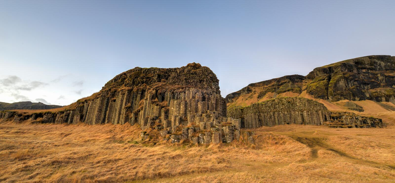 Dverghamrar basaltkolonner, Island royaltyfria bilder