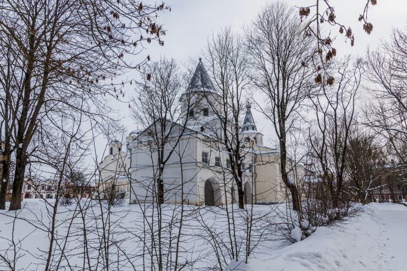 Dvorishche Veliky Новгород, России, Yaroslavovo и старый торговать в зиме стоковое изображение