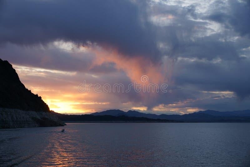 dwójniaka jeziorny zmierzch zdjęcie royalty free