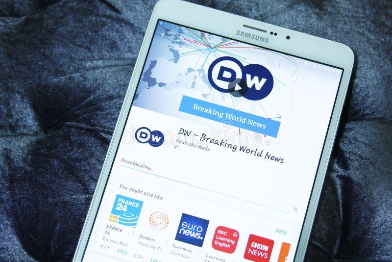 DW deutsche Welle som bryter världsnyhetermobilen app royaltyfria foton