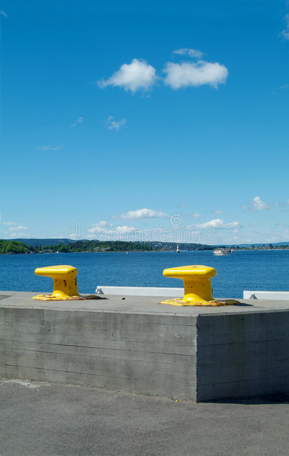dwa cleats żółty zdjęcie stock