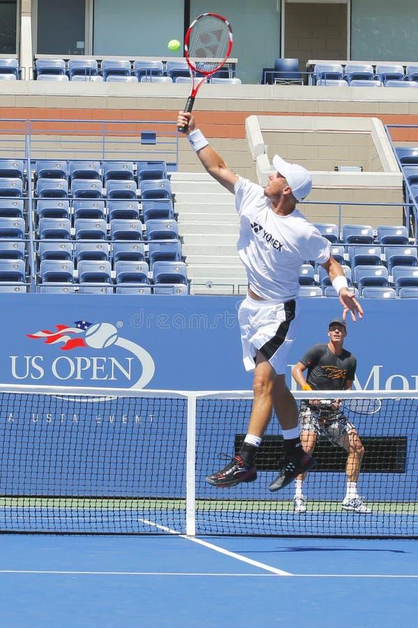 Dwa czasów wielkiego szlema mistrz Lleyton Hewitt i fachowy gracz w tenisa Tomas Berdych ćwiczymy dla us open 2014 zdjęcie royalty free