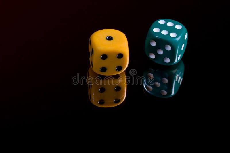 Download Dwa dices obraz stock. Obraz złożonej z ryzykowny, obliczenie - 65225395