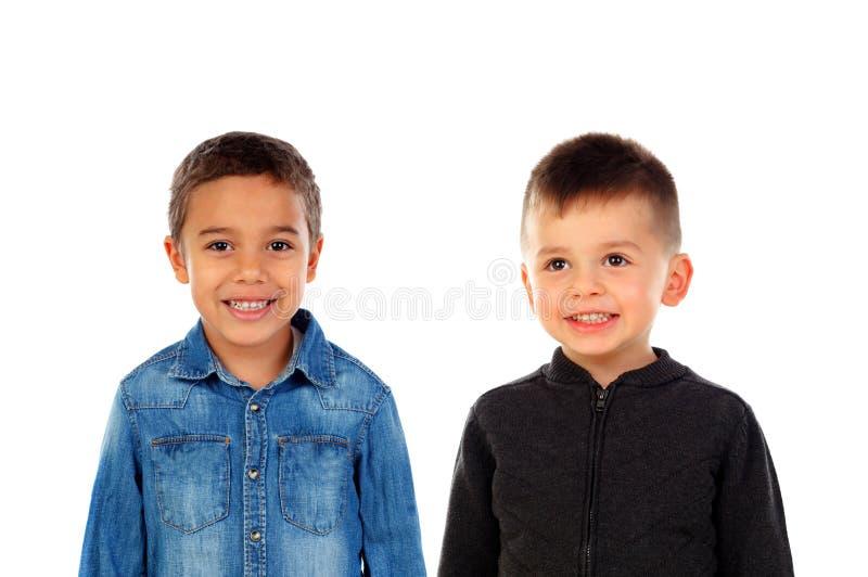 Dwa dziecka z pięknym uśmiechem obraz stock