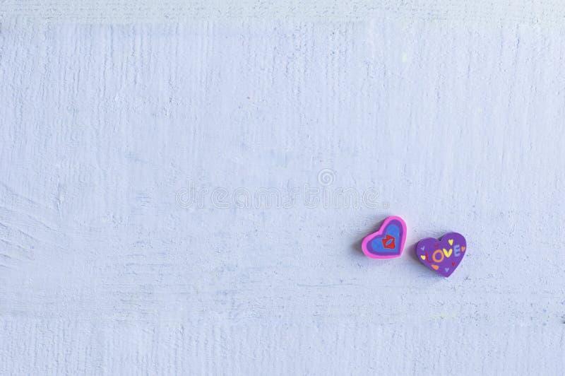 Dwa gumki w formie serca zdjęcia stock