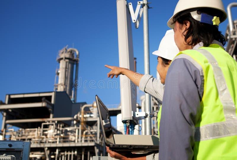 Dwa inżynierów energia i władza obraz stock