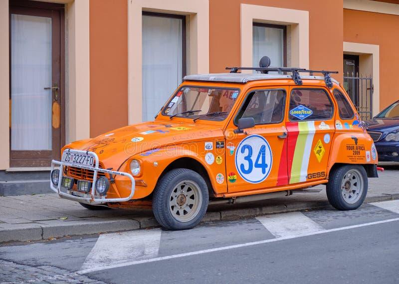 Dwa końskiej władzy pomarańcze samochód zdjęcia stock