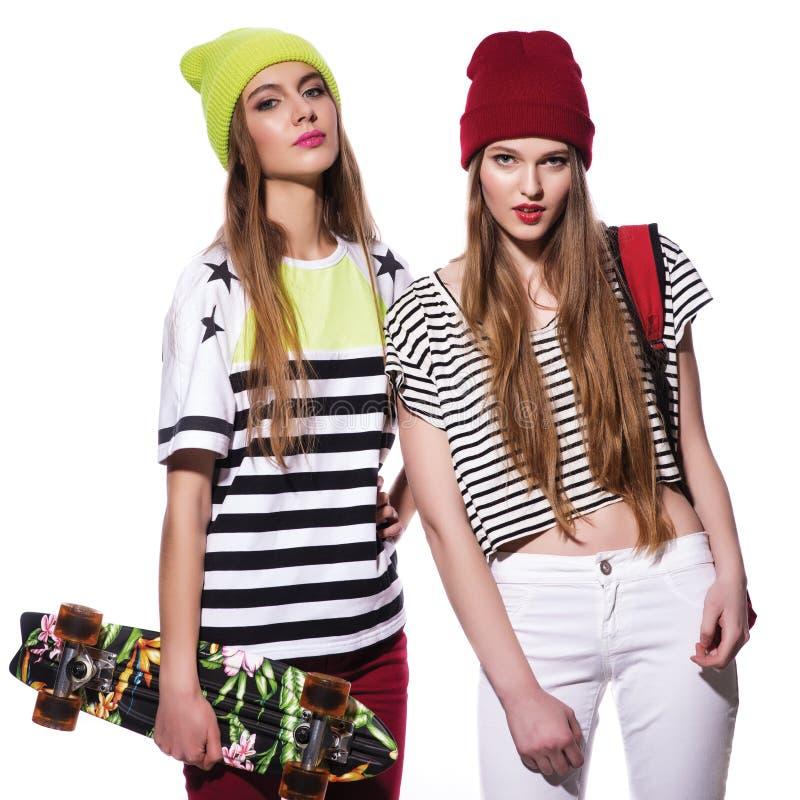 Dwa młodej eleganckiej dziewczyny fotografia stock