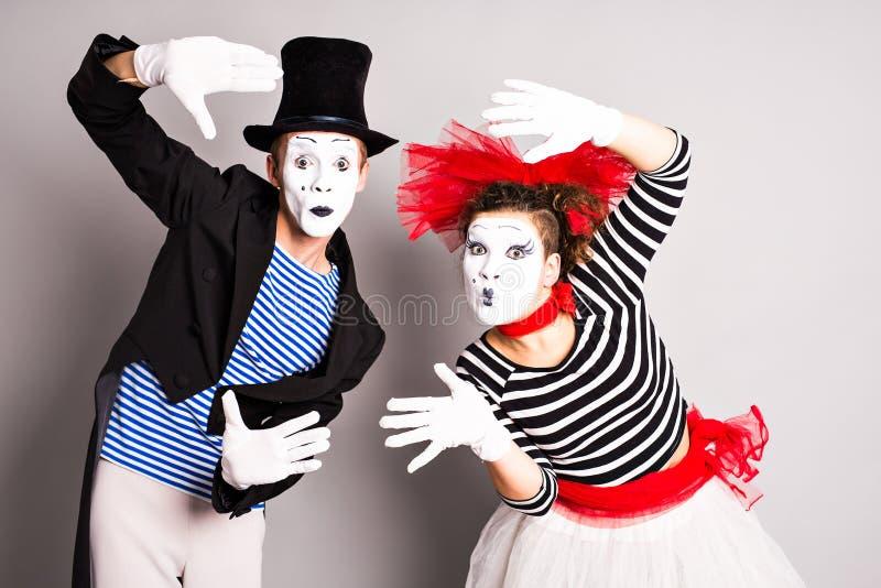 Dwa mima mężczyzna i kobieta Kwietnia durnia dnia pojęcie obraz royalty free
