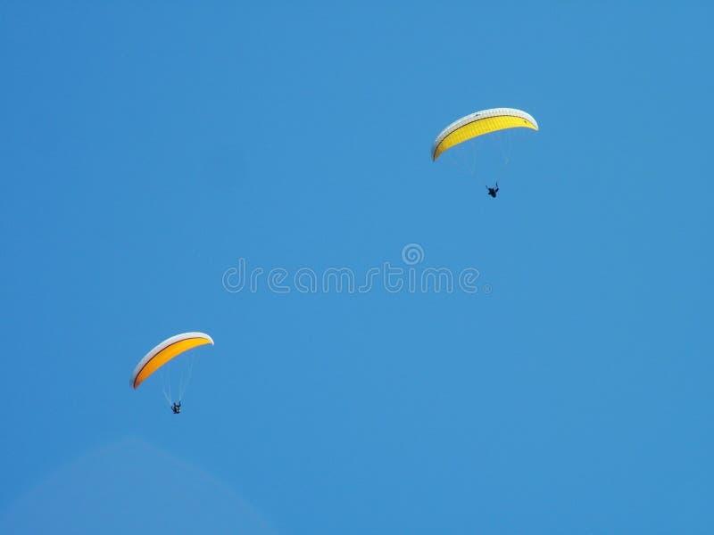 dwa paragliders zdjęcia royalty free