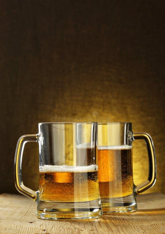 Dwa piwnego kubka obrazy stock
