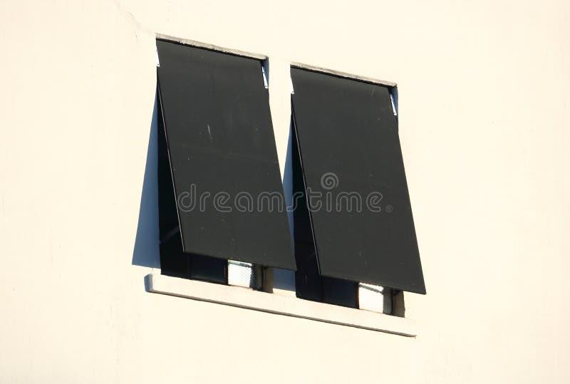 Dwa Plenerowy Przemysłowy Windows i markizy zdjęcia royalty free