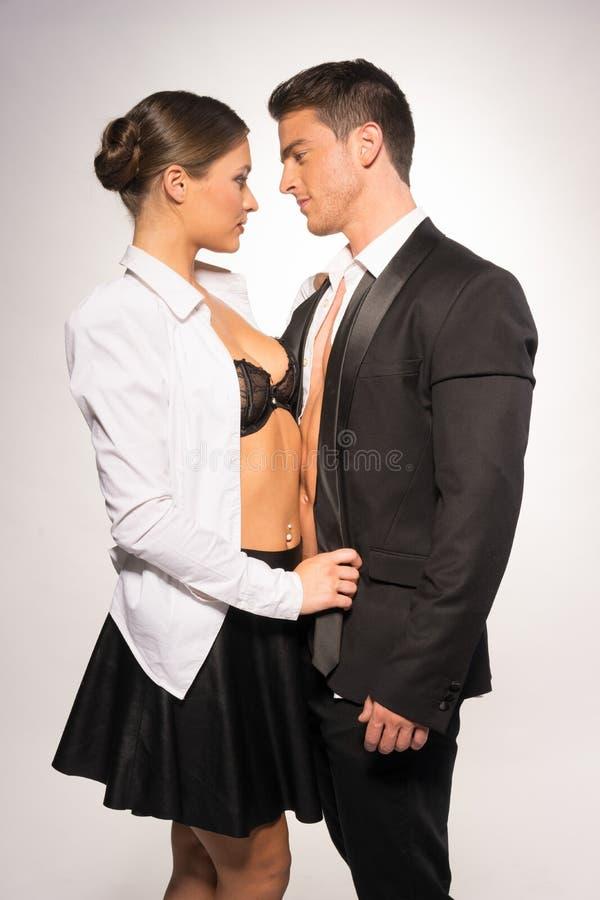 Dwa potomstw Seksowna para w moda portrecie zdjęcie royalty free