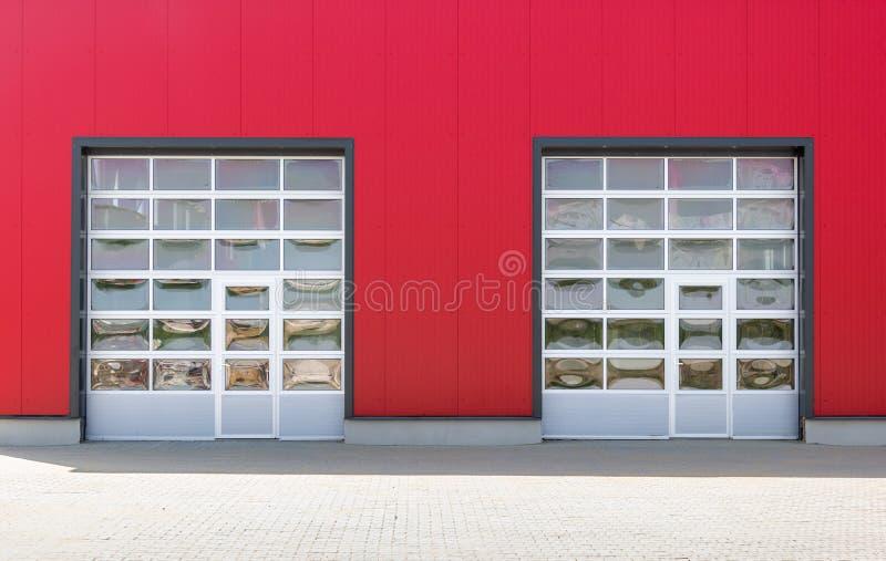 Dwa przemysłowego drzwi obrazy stock