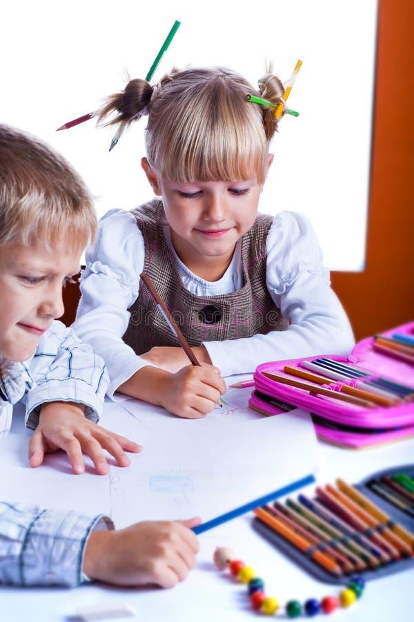 Dwa rysunkowego dzieciaka zdjęcia royalty free