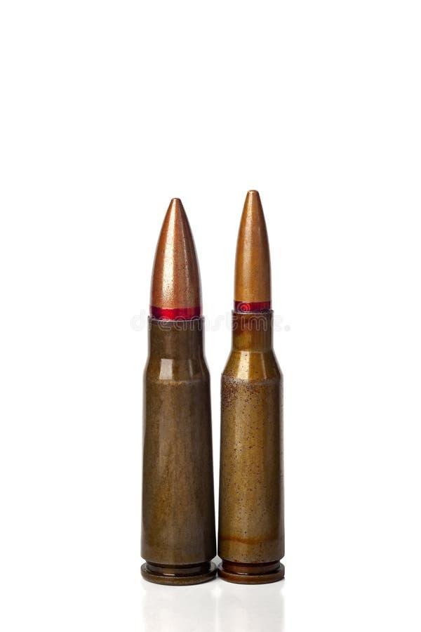 Dwa starego pociska dla karabin?w automatycznych 5 45 i 7 62 kaliber Selekcyjna ostro?? zdjęcia royalty free