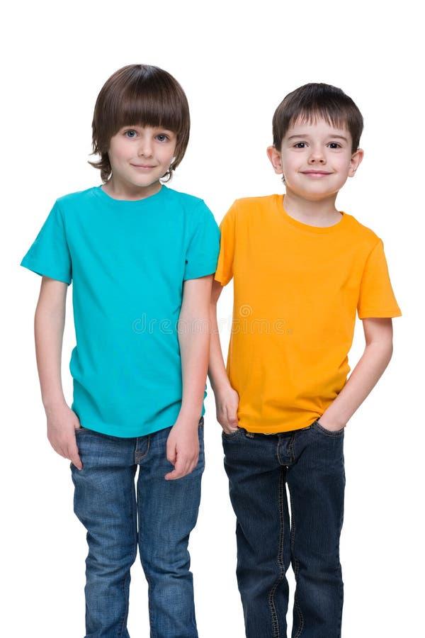 Dwa szczęśliwej chłopiec obraz royalty free
