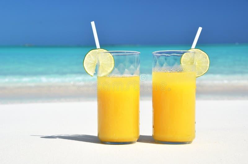 Dwa szkła sok pomarańczowy fotografia stock