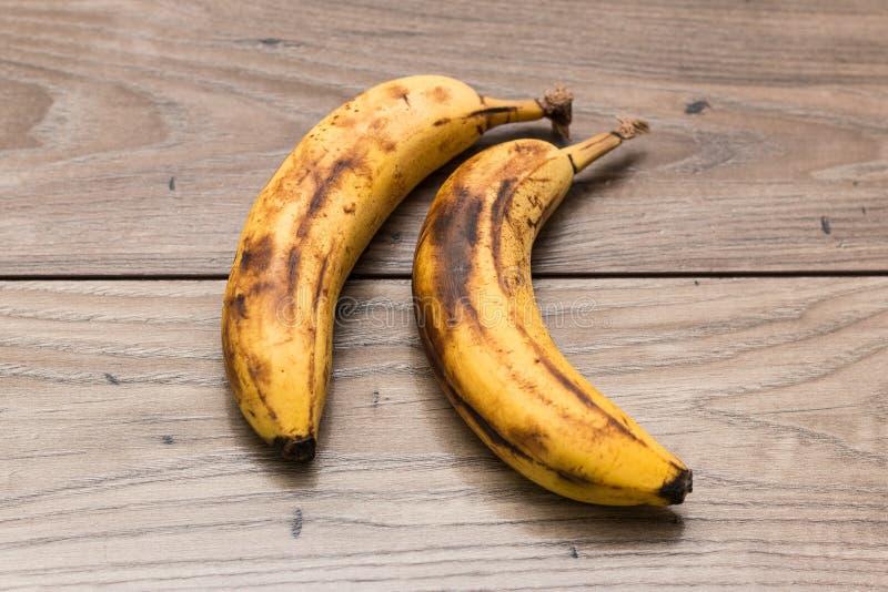 Dwa w pełni dojrzałego banana zdjęcia stock