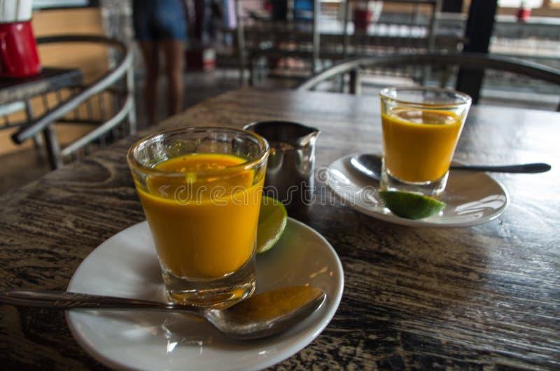 Dwa zdrowego jamu strzału na Bali, Indonezja zdjęcia stock