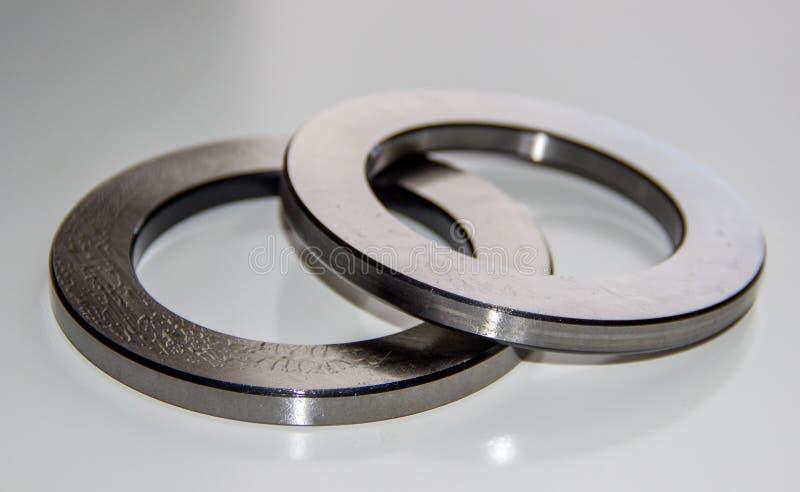 Dwa zewnętrznego pierścionku dla estokada rolkowego pelengu smarującego w pelengu lubricant fotografia royalty free