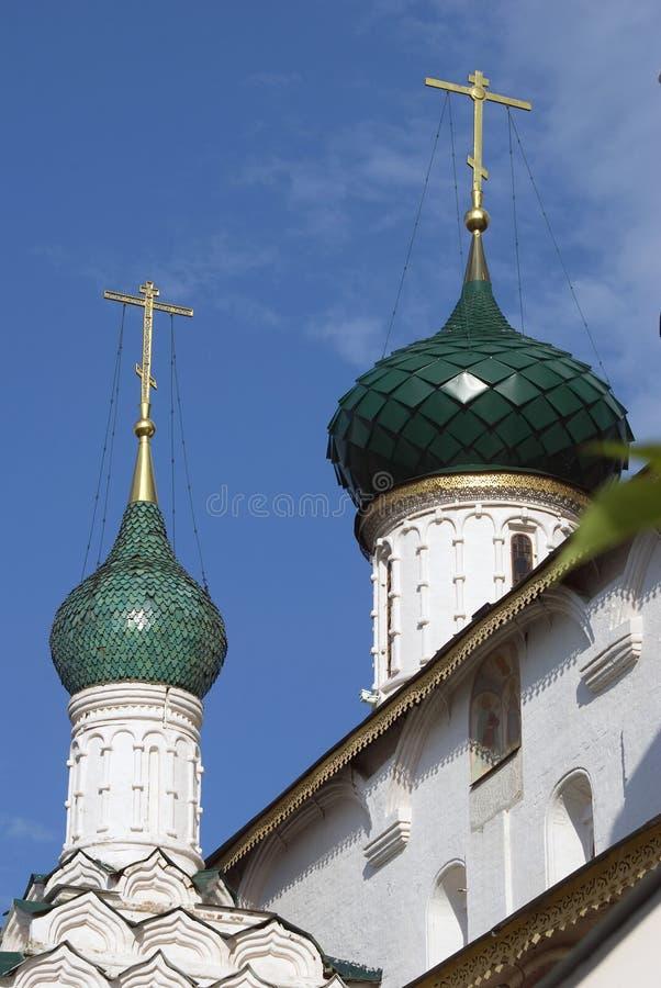 Dwa zielonego kościelnego cupolas zdjęcie stock