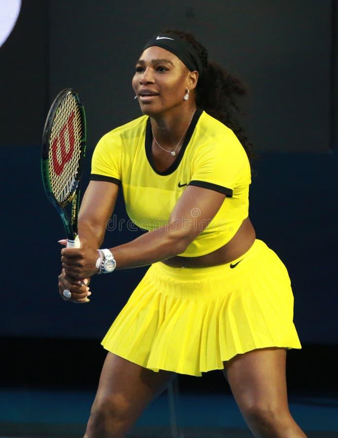 Dwadzieścia czasów wielkiego szlema jeden mistrz Serena Williams w akci podczas jej definitywnego dopasowania przy australianem o obrazy stock