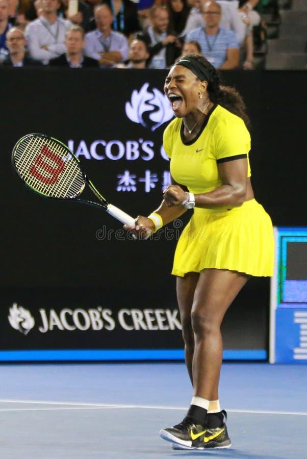 Dwadzieścia czasów wielkiego szlema jeden mistrz Serena Williams w akci podczas jej definitywnego dopasowania przy australianem o fotografia stock