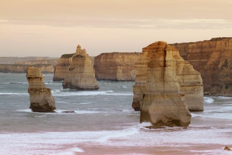 Dwanaście apostołów wzdłuż sławnej Wielkiej ocean drogi zdjęcia royalty free
