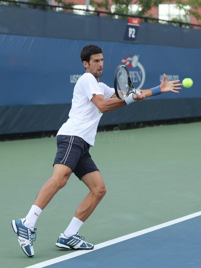 Dwanaście czasów wielkiego szlema mistrz Novak Djokovic Serbia ćwiczy dla us open 2016 dla fotografia stock