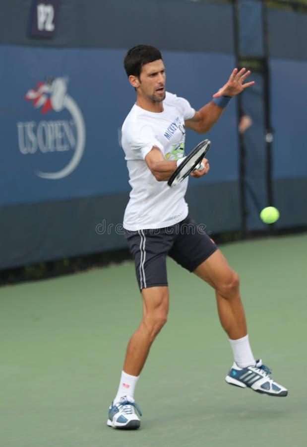 Dwanaście czasów wielkiego szlema mistrz Novak Djokovic Serbia ćwiczy dla us open 2016 dla zdjęcie royalty free